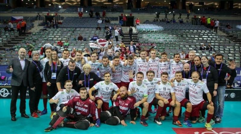 Latvijas florbola izlase pēc 2018. gada pasaules čempionāta. Foto: Latvijas Florbola savienība