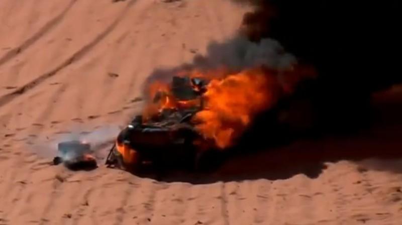 Vasiļjeva automašīnu pārņem liesmas