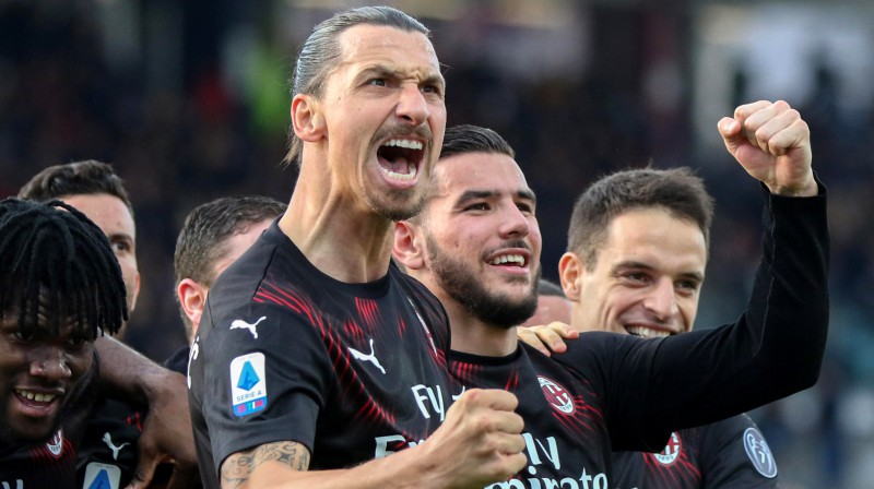"""Zlatans Ibrahīmovičs priecājas par vārtu guvumu """"Milan"""" labā. Foto: EPA/Scanpix"""