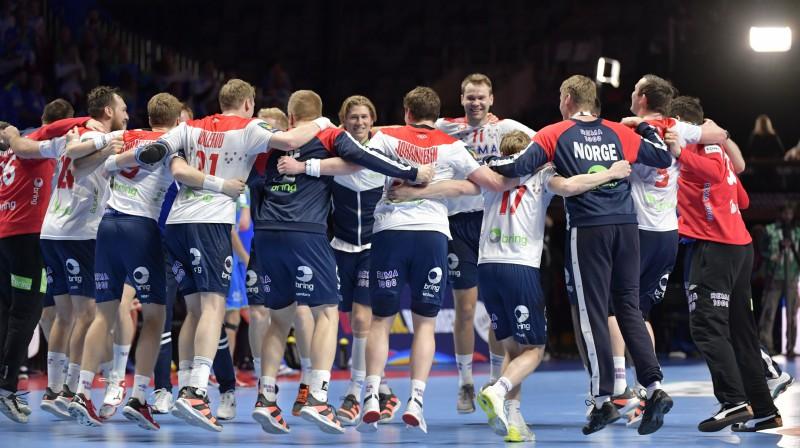 Norvēģijas handbolisti gavilē par trešo vietu Eiropas čempionātā. Foto: TT News Agency/Scanpix