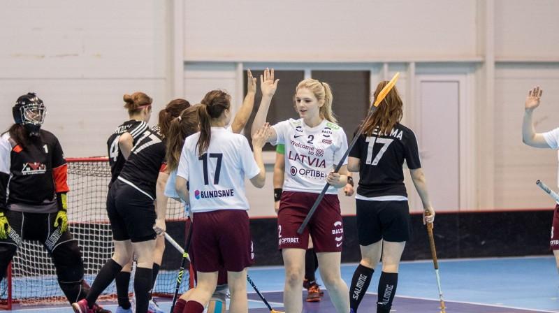 """""""Ķekavas Bulldogs"""" vēl nav spējušas apspēlēt Latvijas juniores Foto: Floorball.lv"""