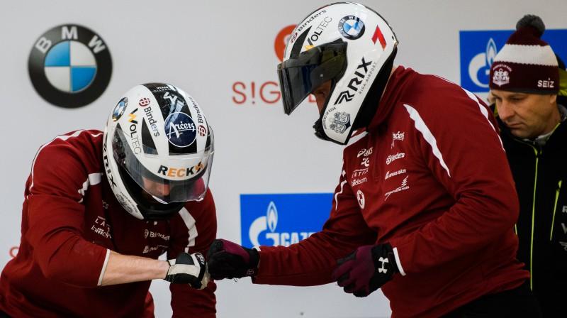 Oskars Melbārdis un Intars Dambis treniņos. Foto: Viesturs Lācis/bobslejs.lv