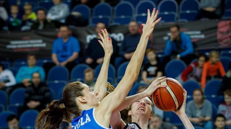"""Kristīne Vītola: 14 punkti un 12 atlēkušās bumbas izbraukuma uzvarā pār """"Sparta&K"""". Foto: FIBA"""