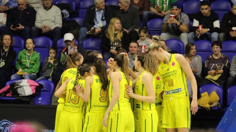 Šopronas basketbolistes. Foto: FIBA