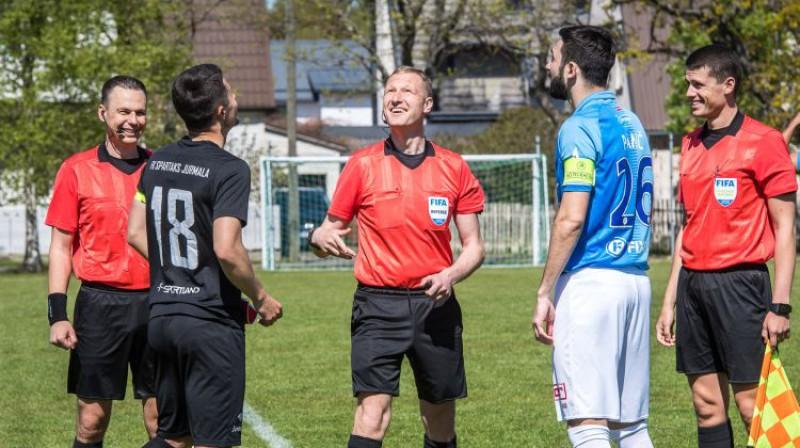 Mirklis pirms spēles Pērnavā. Foto: Zigismunds Zālmanis, Riga FC