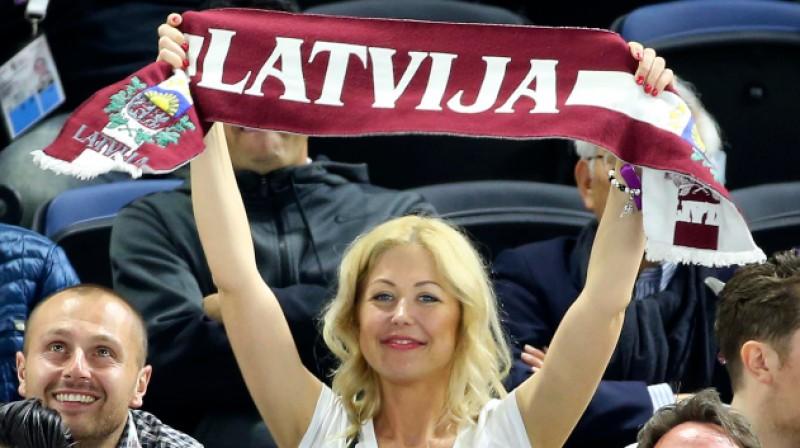 Latvijas hokeja izlases līdzjutēja. Foto: IIHF