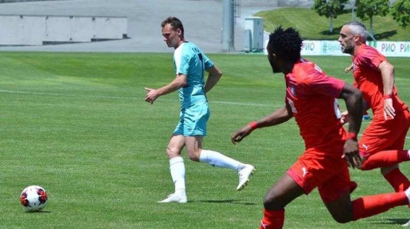 Eduards Emsis (pa kreisi). Foto: FC Noah
