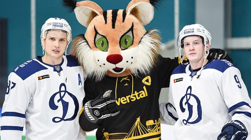 Čerepovecas hokeja audzēkņi Vadims Šipačovs un Dmitrijs Kagarļickis. Foto: Aleksandrs Korka,  KHL / sport24.ru