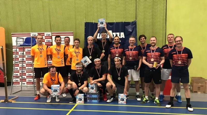 """""""Ceresit"""" Latvijas vīriešu komandu kausa medaļnieki. Foto: Latvijas Badmintona federācija"""