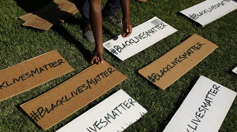 """Politiskā organizācija """"Black lives matter"""" tika izveidota 2013. gadā pēc pusaudža Treivona Mārtina nogalināšanas. Foto: AP/Scanpix"""