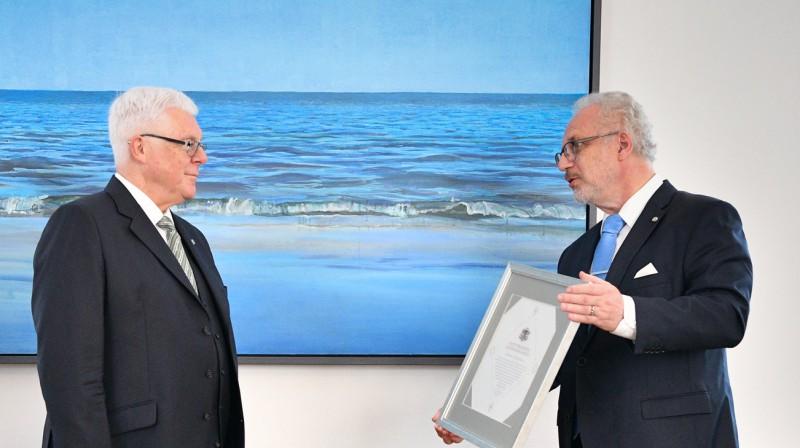Aldons Vrubļevskis un Egils Levits. Foto: Ilmārs Znotiņš, Valsts prezidenta kanceleja, president.lv