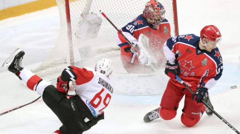 Sergejs Šumakovs spēlē pret CSKA. Foto: Sergei Savostyanov/TASS/Scanpix