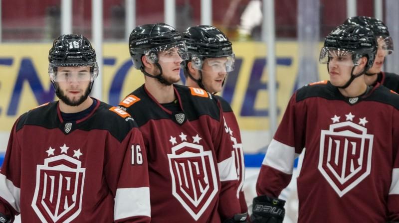 "Rīgas ""Dinamo"" hokejisti. Foto: Raimonds Volonts, dinamoriga.lv"