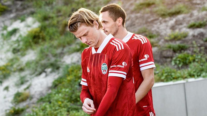 Liepājas futbola audzēkņi Mārtiņš Ķigurs un Andris Jurkovskis. Foto: Aiga Veisa