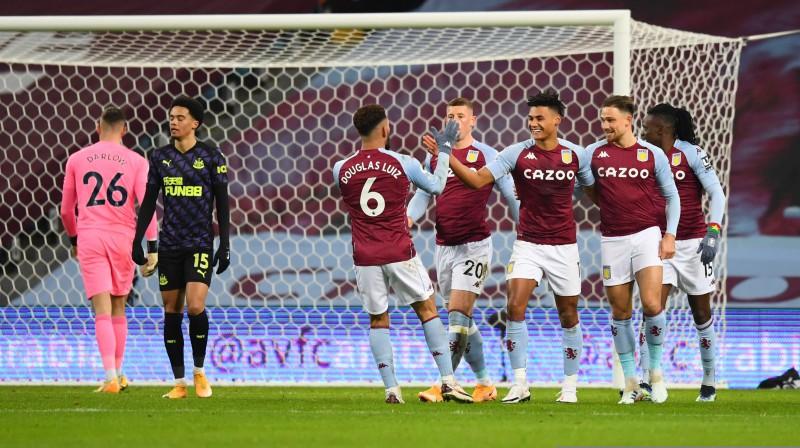 """""""Aston Villa"""" futbolisti. Foto: Pool via REUTERS/Scanpix.ee"""