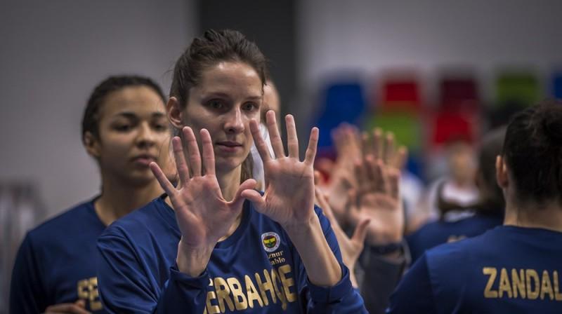 Kristīne Vītola: astoņas spēles Turcijas superkluba rindās. Foto: FIBA