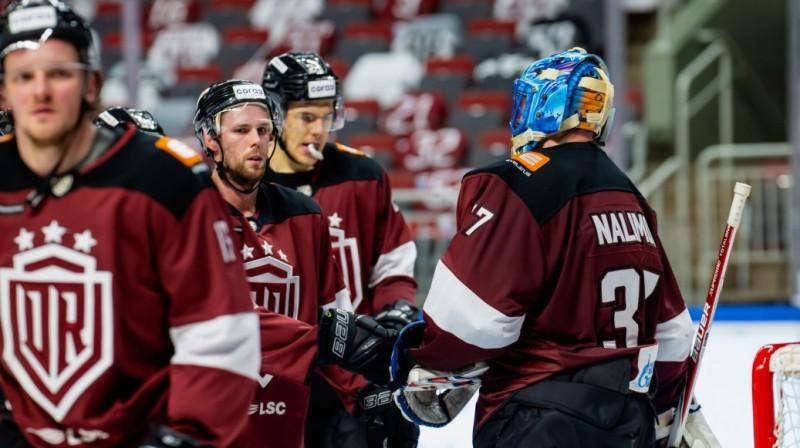 Rīss Skārlets un Ivans Naļimovs. Foto: Kaspars Volonts/dinamoriga.lv