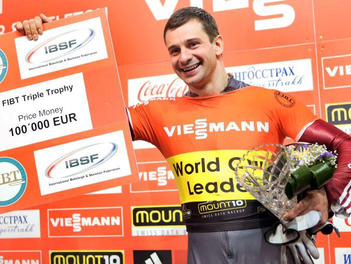 Martins Dukurs Sočos iegūst Pasaules kausu un 100 000 eiro