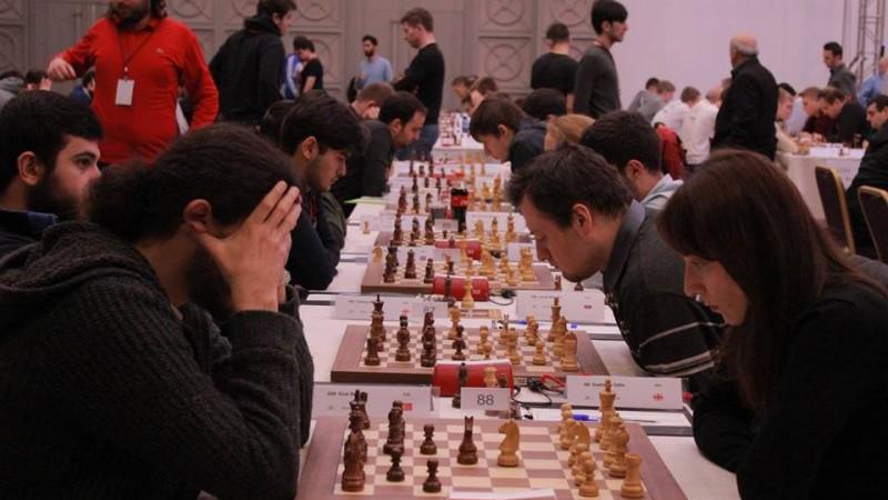 Kovaļenko un Meškovs pēc uzvarām nodrošina savstarpēju dueli Eiropas šaha čempionātā