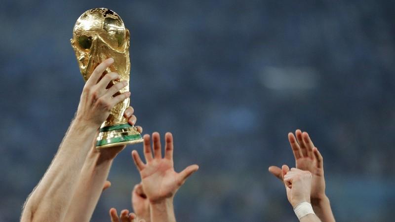 Futbola svētki klāt - 32 izlases dodas cīņā par Pasaules kausu