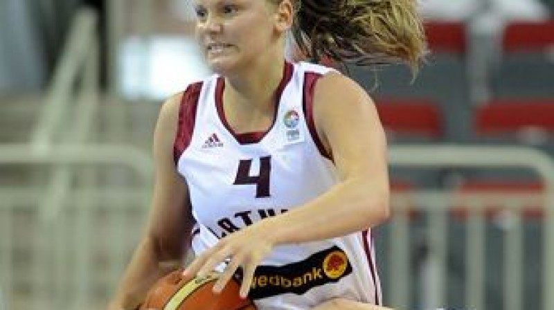 Sabīne Niedola Foto: Romāns Kokšarovs, Sporta Avīze, f64