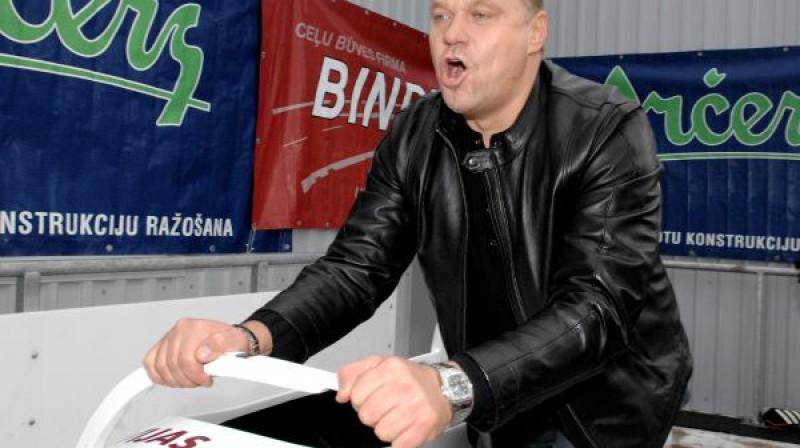 Zintis Ekmanis  Foto: Romāns Kokšarovs, Sporta Avīze, f64