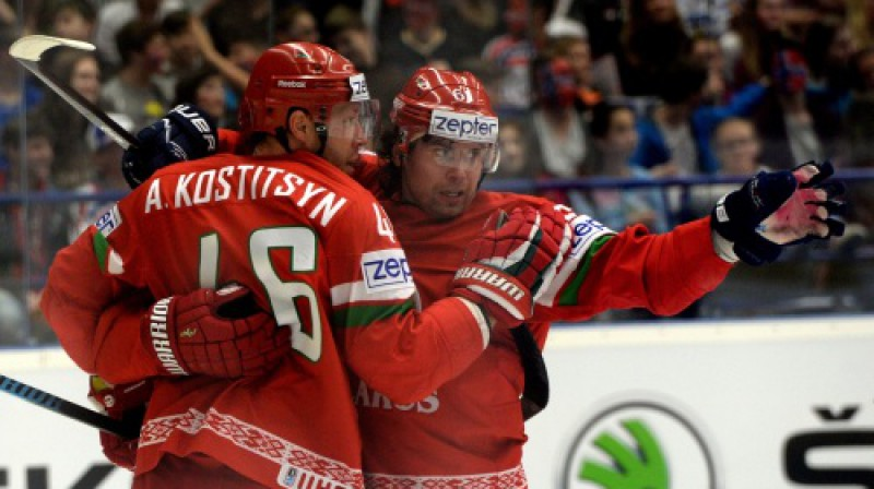 Andrejs Kosticins un Andrejs Stepanovs svin vārtu guvumu Foto: AFP/Scanpix