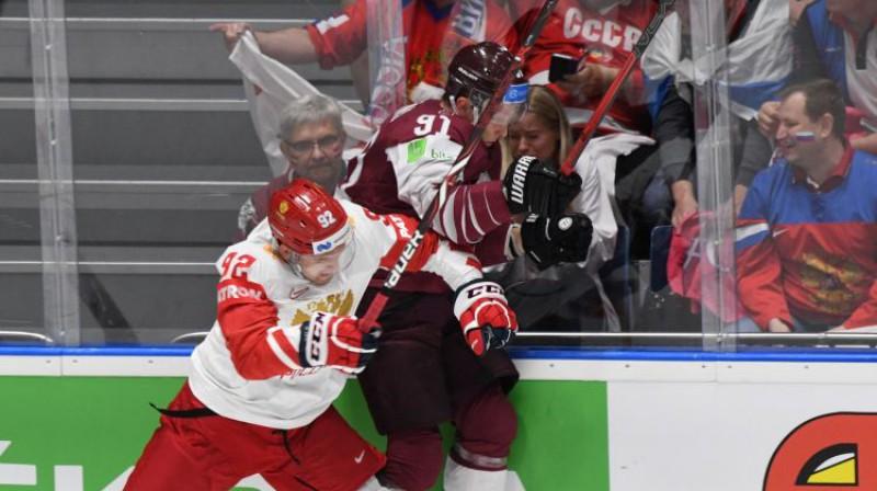 Jevgeņijs Kuzņecovs pavasarī pasaules čempionātā spēlē pret Latviju. Foto: Sputnik/Scanpix