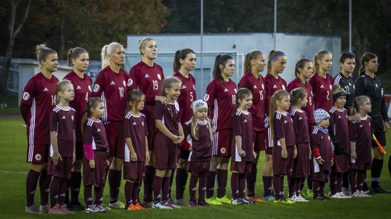 Latvijas sieviešu futbola izlase. Foto: Nora Krevneva-Baibakova/LFF