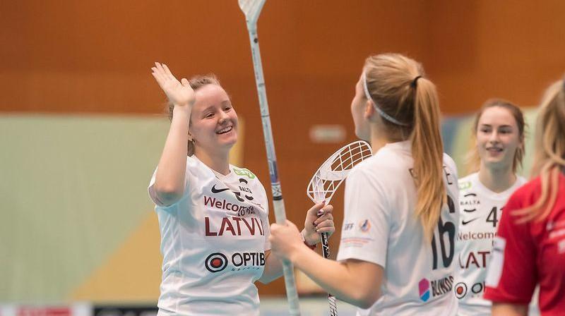 Latvijas izlases florbolistes. Foto: IFF Floorball