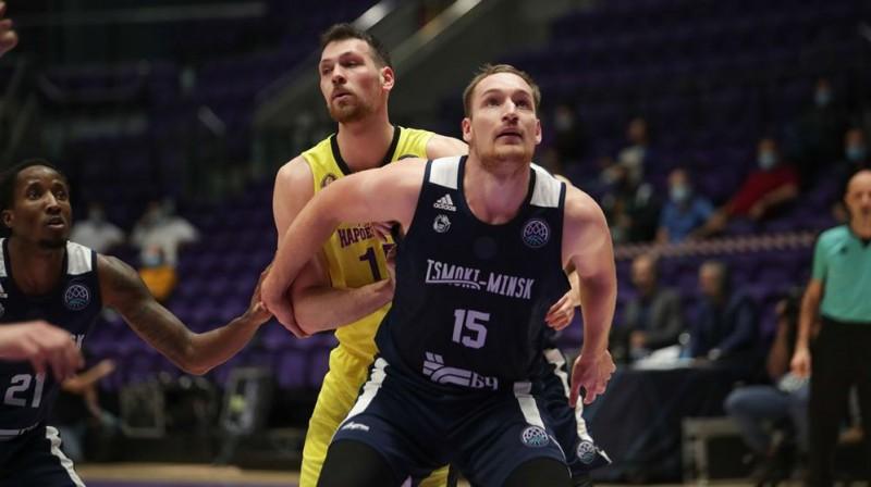Klāvs Čavars aizsardzībā. Foto: championsleague.basketball