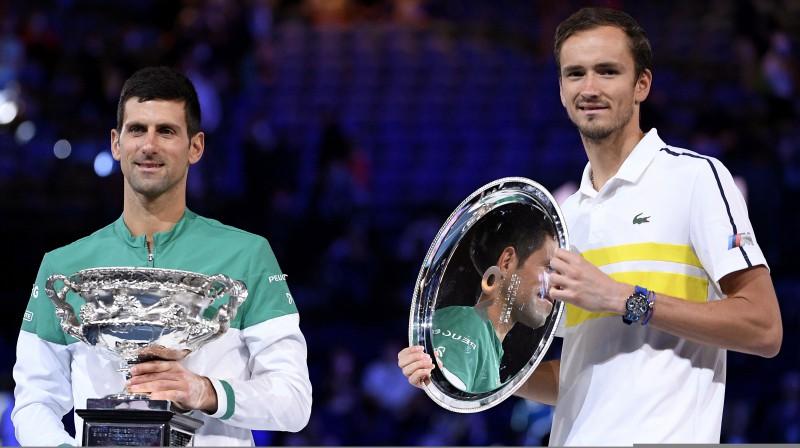 Novaks Džokovičs un Daniils Medvedevs. Foto: AP/Scanpix