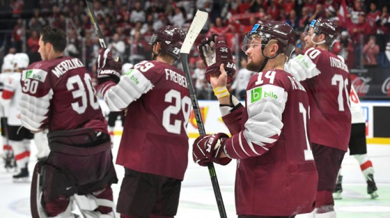 Latvijas izlases hokejisti. Foto: LHF