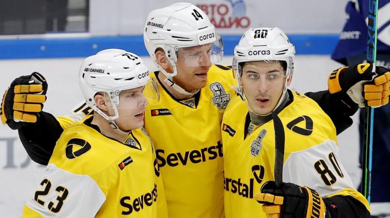 """Čerepovecas """"Severstal"""" hokejisti svin vārtu guvumu. Foto: Mikhail Japaridze/TASS/Scanpix"""