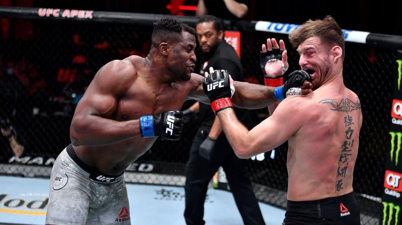 Fransiss Nganū nokautē Stipi Miočiču. Foto: twitter.com/UFC