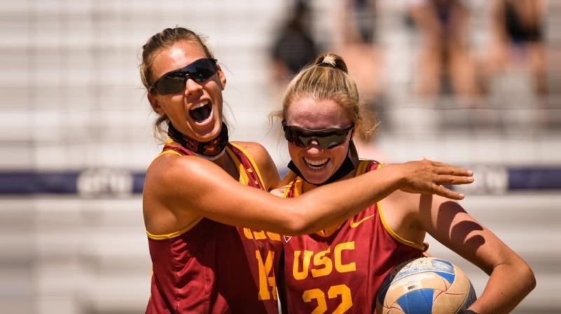 Tīna Graudiņa un Megana Krafta. Foto: Thomas Fernandez / ASU Athletics