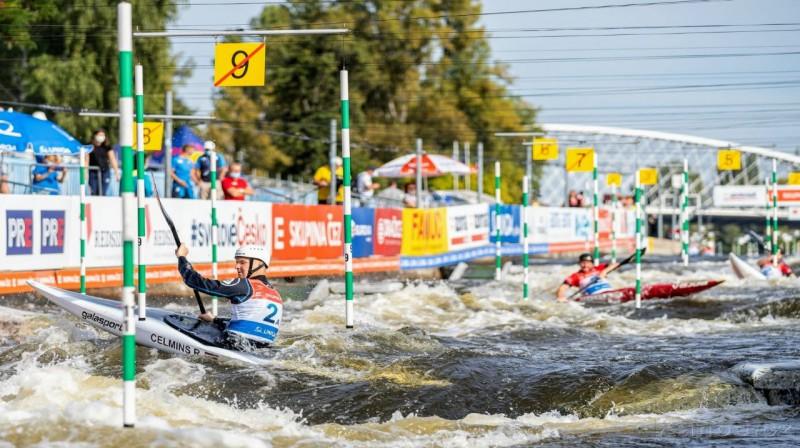 Latvijas izlase komandu sacnesībās pagājušajā gada čempionātā. Priekšplaņā izlases līderis Ritvars Celmiņš. Foto:Jan Homolka.