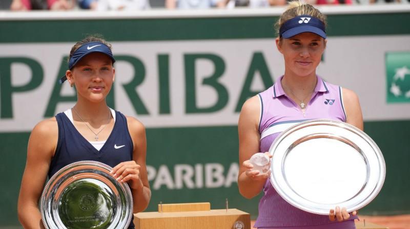 Erika Andrejeva un Linda Noskova. Foto: AP/Scanpix