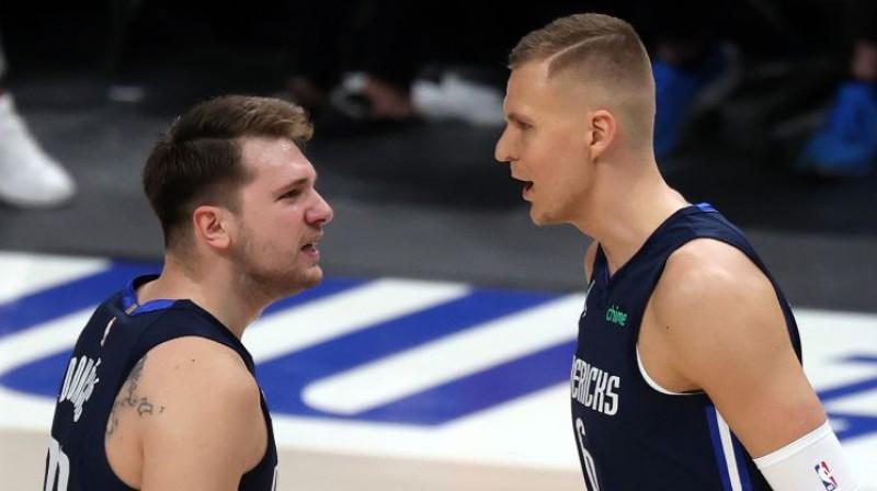 Luka Dončičs un Kristaps Porziņģis. Foto: AFP/Scanpix