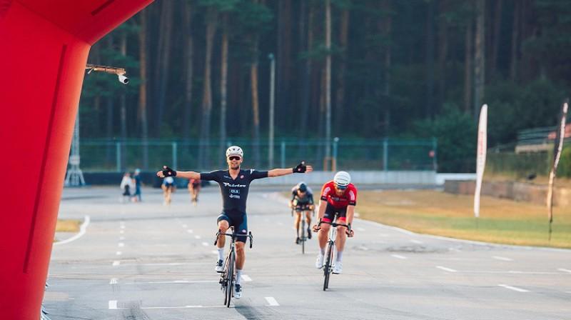 Finišs 70km distancē. Foto: Evelo tream/Kaspars Suškevičs.
