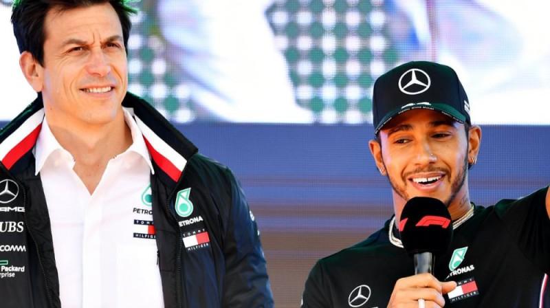 Toto Volfs un Lūiss Hamiltons. Foto: Mercedes