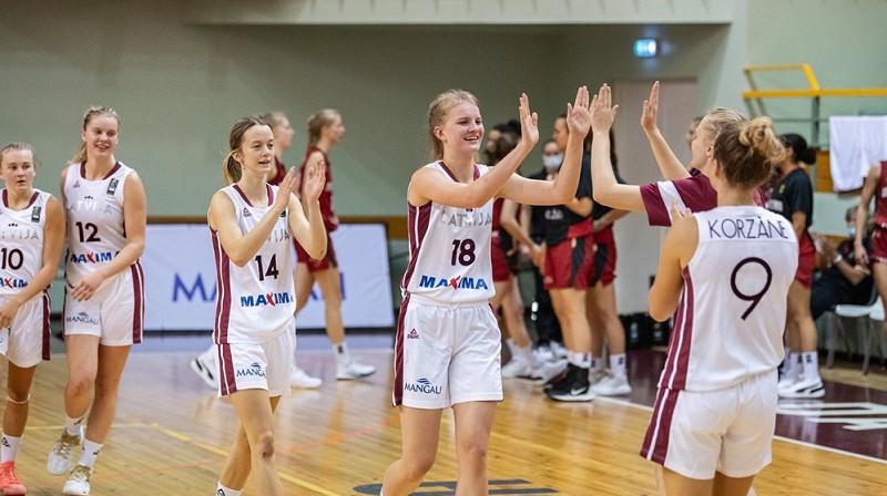 Latvijas U18 meitenes: četras uzvaras pēc kārtas. Foto: FIBA