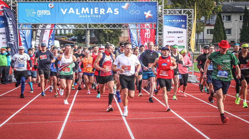 Starts maratonam un pusmaratonam. Foto: M.Gaļinovskis.