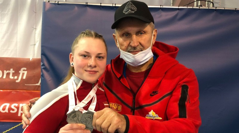 Daniela Ivanova un treneris Eduards Andruškevičs. Foto: spars.ventspils.lv