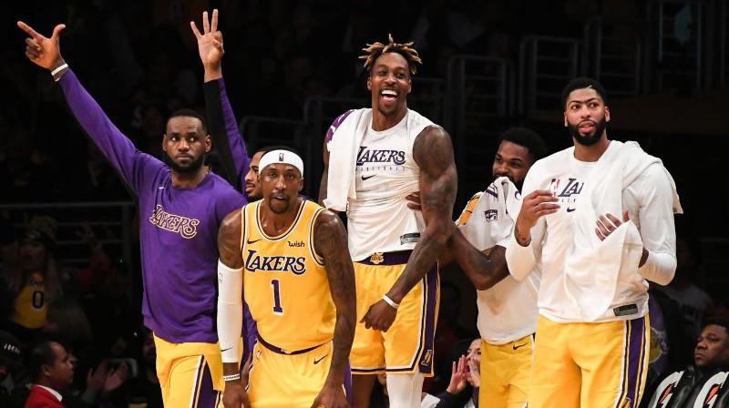 """""""Lakers"""" spēlētāji Foto: AFP/Scanpix"""