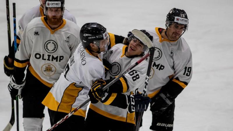 """Rīgas """"Olimp/Venta 2002"""" hokejisti. Foto: Guntis Lazdāns/Optibet Hokeja līga"""