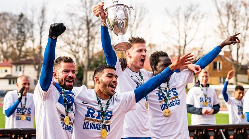 RFS futbolisti Valmierā izcīnīja otro trofeju kluba vēsturē. Foto: fkrfs.lv