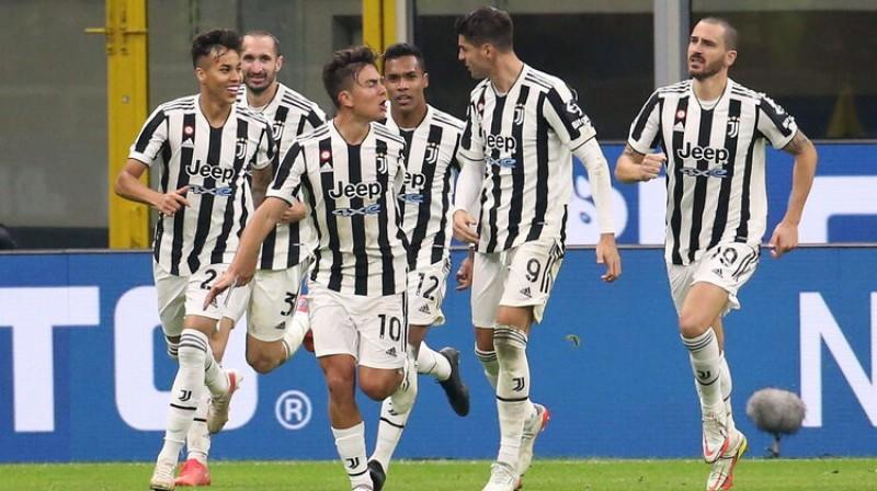 ''Juventus'' futbolisti pēc rezultāta izlīdzināšanas. Foto: SPO/Scanpix